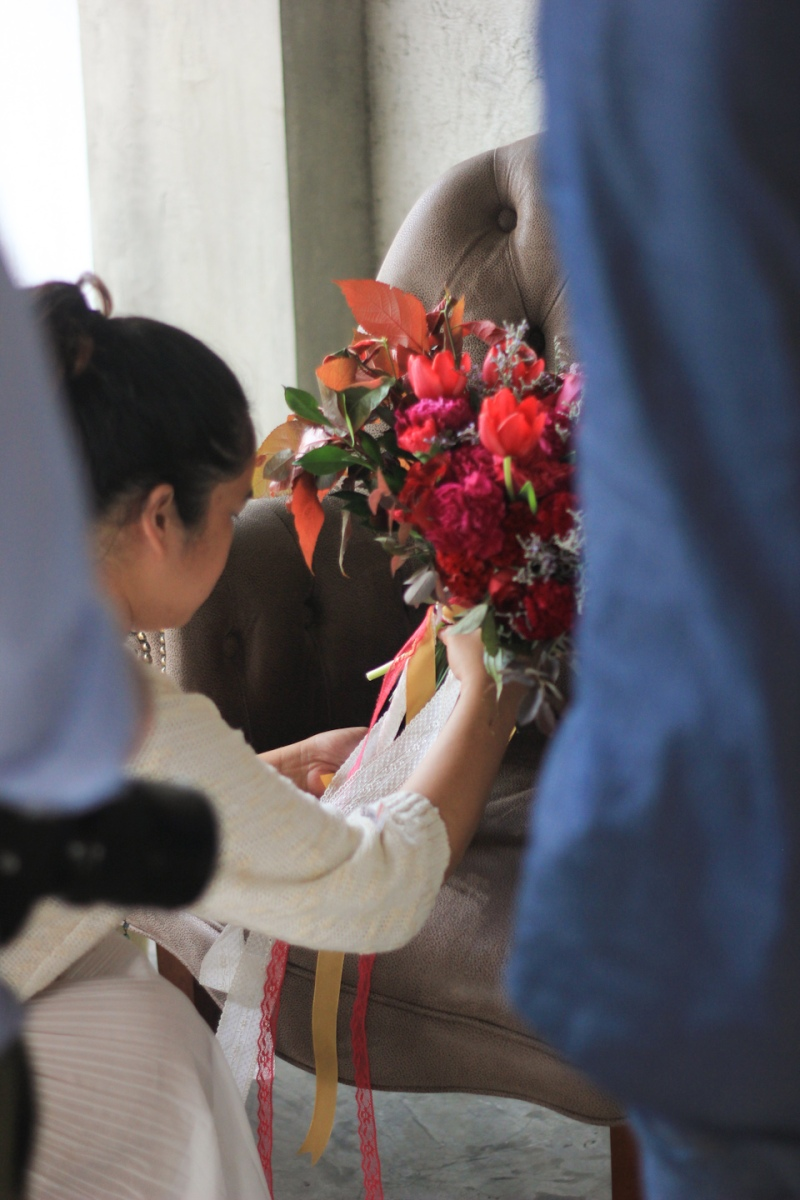 Gizelle Faye Girl Gone Cuckoo BTS BnB Editorial Cebu Florist Event Stylist-2